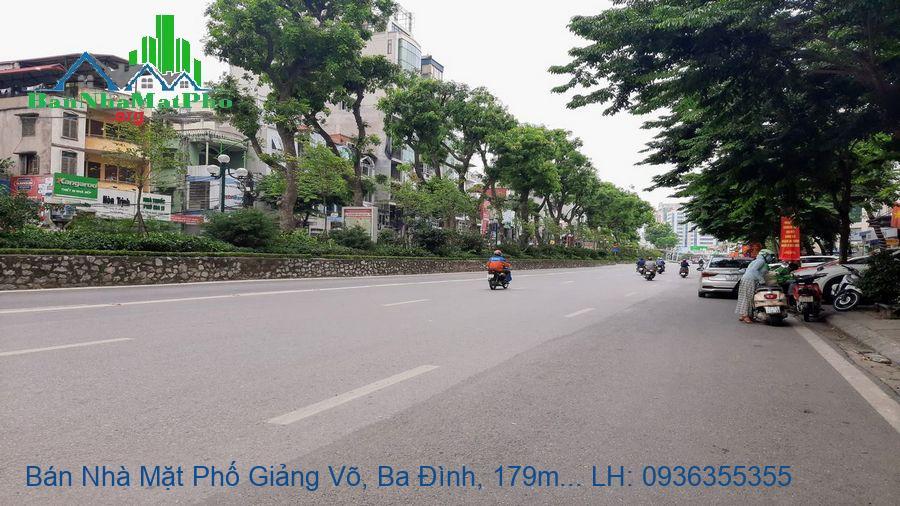Bán Nhà Mặt Phố Giảng Võ, Ba Đình, 179m2, 3 Tầng, Mặt Tiền 8,5m
